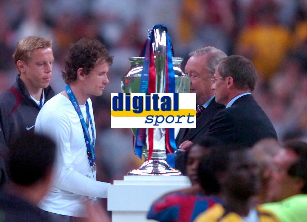 Photo: Richard Lane.<br />Arsenal v Barcelona. UEFA Champions League Final. 17/05/2006.<br />Arsenal's Jens Lehmenn receives his losers medal dspite being sent off.