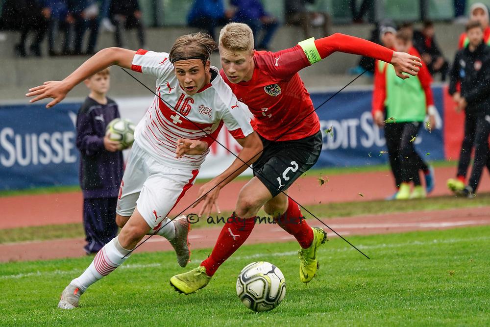 26.09.2019; Tuebach; Fussball U17- Schweiz - Oesterreich;<br /> Carmine Chiappetta (SUI) Lukas Ibertsberger (AUT) <br /> (Andy Mueller/freshfocus)