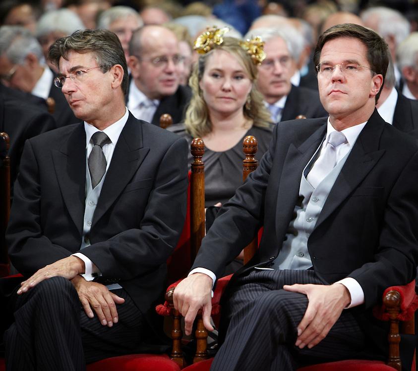 Nederland. Den Haag, 20 september 2011.<br /> Kabinet Rutte in de Ridderzaal,  Maxime Verhagen, Mark Rutte. premier en vice premier<br /> Prinsjesdag. Derde dinsdag van september, derde dinsdag in september, miljoenennota, monarchie, politiek, kabinet Rutte, <br /> Foto Martijn Beekman