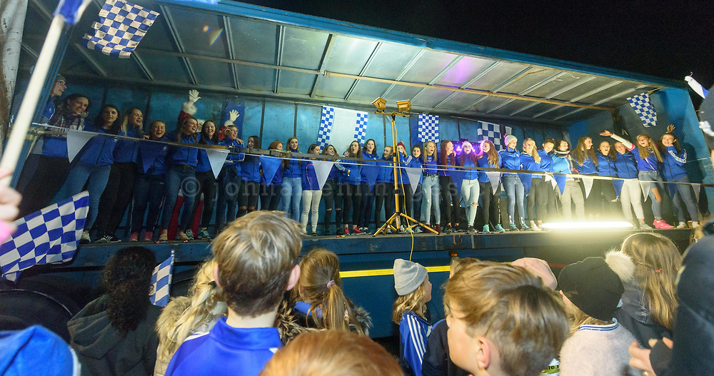 REPRO FREE<br /> All 31 members of the squad pictured at the homecoming for the Kinsale Ladies Football team who lost by one point at the All Ireland Intermediate Final in Parnell Park, Dublin on Sunday.<br /> Picture. John Allen