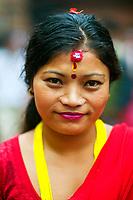 26/Agosto/2005 Nepal. Khatmandú.<br /> Retrato de una mujer durante la festividad hinduísta de la celebración del cumpleaños de Shiva en la ciudad santa de Patan.<br /> <br /> ©JOAN COSTA