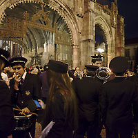 Start of the Burial of the Lord procession, leaving from Braga's Cathedral