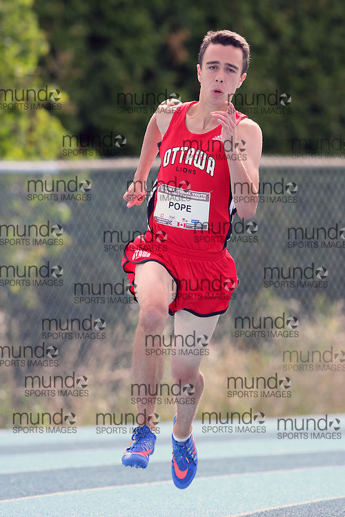06 August 2016: Alex Pope racing in the midget boys (under-16) 200m heats at the Canadian National Youth Track and Field Championships in Sainte-Théresè / Blainville, Quebec.