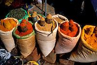 Nepal - Vallée de Kathmandu - Kathmandu - Epices au marché d'Asan Tol