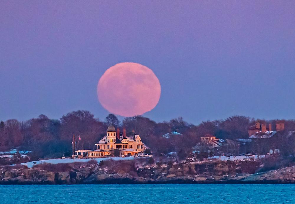 Cold Moon Jamestown, RI,  02835