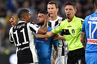 Douglas Costa argues with Lorenzo Insigne. Gianluca Rocchi . Discussione <br /> Torino 22-04-2018 Allianz Stadium Football Calcio Serie A 2017/2018 Juventus - Napoli Foto Andrea Staccioli / Insidefoto