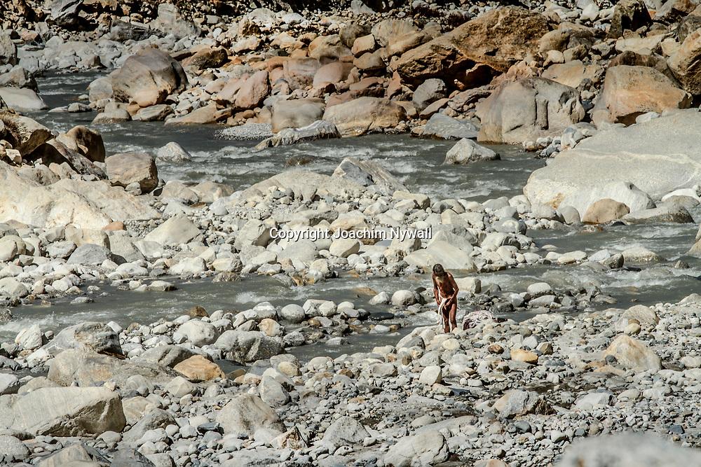 2016 10 11 Gangotri Uttarakhand India<br /> Vandring mellan Gangotri och Gamukh som är Ganges källa Vandringen går längs Bhagirathi som ganges heter här uppe<br /> <br /> ----<br /> FOTO : JOACHIM NYWALL KOD 0708840825_1<br /> COPYRIGHT JOACHIM NYWALL<br /> <br /> ***BETALBILD***<br /> Redovisas till <br /> NYWALL MEDIA AB<br /> Strandgatan 30<br /> 461 31 Trollhättan<br /> Prislista enl BLF , om inget annat avtalas.