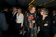 PAUL MYNERS; ALSION MYNERS; GRAYSON PERRY; PHILLIPA PERRY, The Presentation of the Montblanc de la Culture Arts Patronage Award to Anthony D'Offay. Tate Modern. 16 April 2009<br /> PAUL MYNERS; ALSION MYNERS; GRAYSON PERRY; PHILLIPA PERRY, The Presentation of the Montblanc de la Culture Arts Patronage Award to Anthony D'Offay. Tate Modern. 16 April 2009 *** Local Caption *** -DO NOT ARCHIVE-© Copyright Photograph by Dafydd Jones. 248 Clapham Rd. London SW9 0PZ. Tel 0207 820 0771. www.dafjones.com.