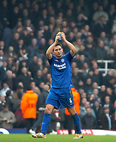 Photo: Ed Godden.<br />West Ham United v Chelsea. The Barclays Premiership.<br />02/01/2006. <br />Frank Lampard claps to the West Ham supporters.