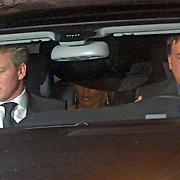 ITA/Bracchiano/20061118 - Huwelijk Tom Cruise en Katie Holmes, aankomst Victoria Beckham met hoed op achterin samen met haar zus