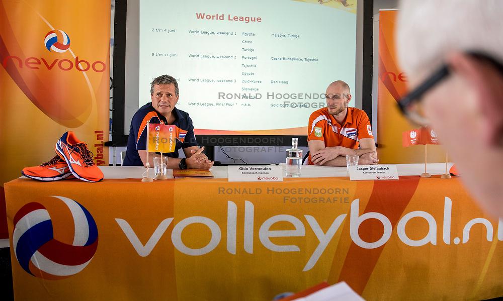 10-05-2017 NED: Persconferentie Nederlands volleybal team mannen 2017, Arnhem<br /> Op Papendal werd de eerste persconferentie gehouden van het Nederlands volleybalteams mannen / Coach Gido Vermeulen, Jasper Diefenbach #6