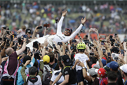 July 16, 2017 - Silverstone, Great Britain - Motorsports: FIA Formula One World Championship 2017, Grand Prix of Great Britain, ..#44 Lewis Hamilton (GBR, Mercedes AMG Petronas F1 Team) (Credit Image: © Hoch Zwei via ZUMA Wire)