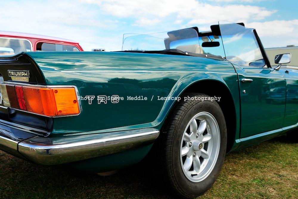 The Triumph TR6 (1969-76) Classic British Sports car - 2010