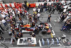 May 26, 2019 - Monte Carlo, Monaco - Motorsports: FIA Formula One World Championship 2019, Grand Prix of Monaco, ..Mechanic of Aston Martin Red Bull Racing  (Credit Image: © Hoch Zwei via ZUMA Wire)