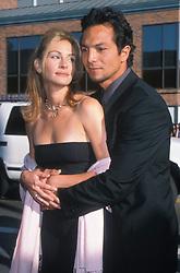 Jul 25, 1999; Los Angeles, CA, USA; Actress JULIA ROBERTS and boyfriend/actor BENJAMIN BRATT at the premiere of 'Runway Bride'.  (Credit Image: © Kathy Hutchins/ZUMAPRESS.com)