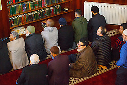 © Licensed to London News Pictures. 05/02/2017. London, UK.  Mass pray takes place during an open day at Finsbury Park Mosque in North London.  On Visit My Mosque Day over 150 mosques around the UK open their doors to the public, offering a better understanding of religion in effort to counter rising Islamophobia.  Photo credit: Tolga Akmen/LNP