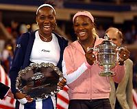 Tennis. US Open 2002. Finale.<br />Serena Williams slår søster Venus Williams.<br />Foto: Roger Parker, Digitalsport