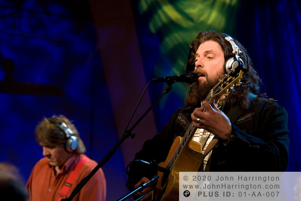 """Alan Parsons, famed recording engineer, performs at XM on Saturday March 4, 2006.  The performance is part of XM's """"Artist Confidential"""" series."""