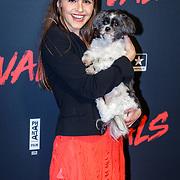 NLD/Utrecht/20190114 - Premiere Vals, Olivia Lonsdale en haar hondje
