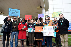 © Licensed to London News Pictures. 10/02/2016. Reading, UK. Junior Doctors on strike outside the Royal Berkshire Hospital in Reading on Wednesday, February 10. A 24-hour walk out due to the proposed contract changes offered by the government to junior doctors. Photo credit should read: Emma Sheppard/LNP