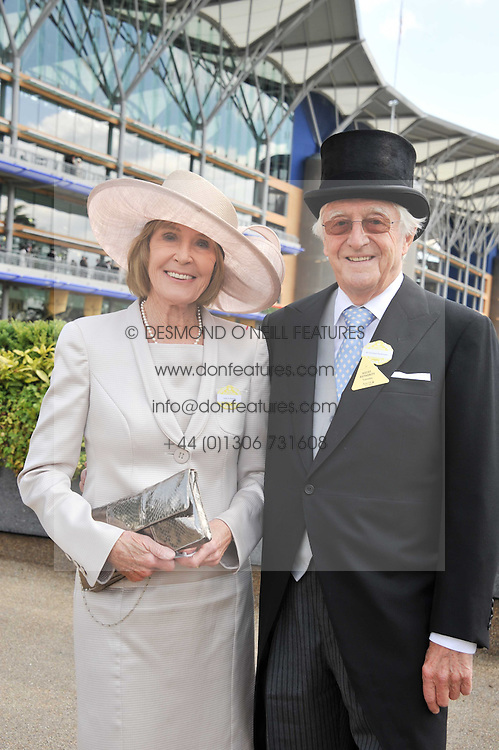 SIR MICHAEL & LADY PARKINSON at day 1 of the 2011 Royal Ascot Racing festival at Ascot Racecourse, Ascot, Berkshire on 14th June 2011.