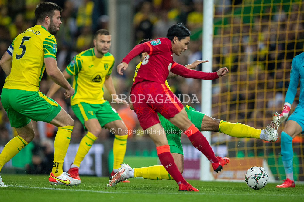 NORWICH, ENGLAND - Tuesday, September 21, 2021: Liverpool's Takumi Minamino scores the first goal during the Football League Cup 3rd Round match between Norwich City FC and Liverpool FC at Carrow Road. Liverpool won 3-0. (Pic by David Rawcliffe/Propaganda)