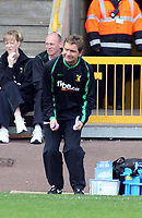 Photo: Mark Stephenson.<br /> Wolverhampton Wanderers v Norwich City. Coca Cola Championship. 22/09/2007.Norwich's managerPeter Grant