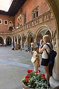 Collegium Maius Uniwersytetu Jagiellońskiego, najstarszy budynek uniwersytecki w Polsce.<br /> Collegium Maius of Jagiellonian University - courtyard, Cracow, Poland