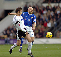 Photo: Kevin Poolman.<br />Derby County v Leicester City. Coca Cola Championship. 25/11/2006. Matt Oakley of Derby gets to the ball before Danny Tiatto of Leicester.