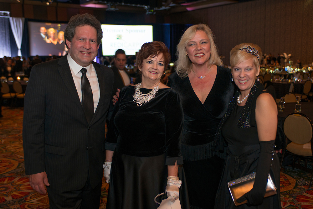 Photograph from the 2018 Installation and New Year Gala for the Houston Apartment Association, celebrating the new presidency of Michelle Pawelek, Greystar.   Photograph by Mark HIebert, Hiebert Photography