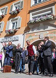 05.09.2016, Lienz, AUT, FPÖ, Norbert Hofer in Lienz, Wahlkampftour für den zweiten Wahlgang der Präsidentschaftswahl 2016, im Bild Norbert Hofer (FPÖ) // Norbert Hofer (Freedom Party Austria, FPOe) during a election campaign for the second round of the presidential election in 2016 in Lienz, Austria on 2016/09/05. EXPA Pictures © 2015, PhotoCredit: EXPA/ Johann Groder