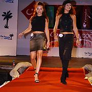 Miss Nederland 2003 reis Turkije, Miss Drenthe + Miss Flevoland Natascha Romans van Schaik,  Yvonne Beekelaar