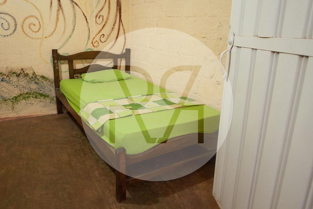 KOLUMBIEN - TAGANGA - Bett in einem Gästezimmer im Hostel Casa Horizonte - 11. April 2014 © Raphael Hünerfauth - http://huenerfauth.ch
