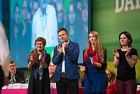 DEU, Deutschland, Germany, Leipzig, 10.11.2018: Britta Haßelmann, Parlamentarische Geschäftsführerin von BÜNDNIS 90/DIE GRÜNEN, Dr. Robert Habeck, Bundesvorsitzender von BÜNDNIS 90/DIE GRÜNEN, Emily May Büning, Organisatorische Geschäftsführerin, Annalena Baerbock, Bundesvorsitzende von BÜNDNIS 90/DIE GRÜNEN. Bundesparteitag von BÜNDNIS 90/DIE GRÜNEN, Messe Leipzig. Auf dem Parteitag wurden die KandidatInnen für die Europawahl im Mai 2019 gewählt.