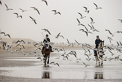 Strand wandeling, , Lauwens Liesbet, Wolfram Samantha<br /> Oostduinkerke Bad 2020<br /> © Hippo Foto - Dirk Caremans<br /> 29/11/2020