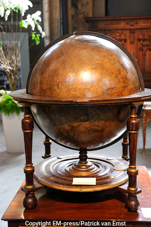 Auction at Christies Amsterdam: Liechtenstein- Property from the Collection of the Princely House of Liechtenstein.<br /> <br /> Due to their prominence in the Habsburg Empire, the Liechtensteins brought a vibrant cultural exchange to their Princedom, in which the arts soon flourished. This unique environment is reflected in their collection, which combines a rich diversity in taste with a consistent high quality.<br /> <br /> Highlights is the A large pair of Dutch 68 cm. (26 in.) library globes and the A German ormolu mounted mother of pearl and ebony inlaid figured walnut bureau cabinet.