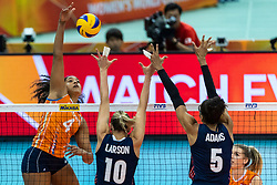 15-10-2018 JPN: World Championship Volleyball Women day 16, Nagoya<br /> Netherlands - USA 3-2 / Celeste Plak #4 of Netherlands, Jordan Larson #10 of USA, Rachael Adams #5 of USA