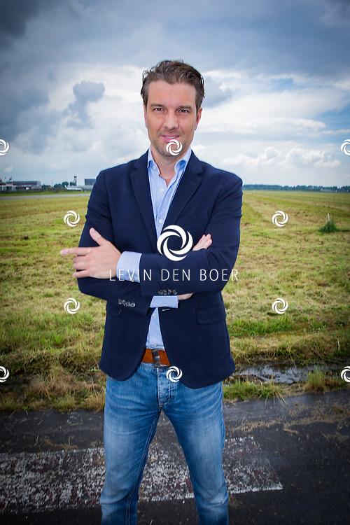 ROTTERDAM - Theater van de Klucht presenteert een nieuwe theaterproductie genaamd 'Boeing Boeing'. Met hier op de foto Bas Muijs. FOTO LEVIN EN PAULA PHOTOGRAPHY VOF