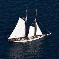 Sailboats & Yachts