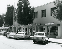 1977 Sherman's Toys & J.R.'s Men & Boy's shops on Larchmont Blvd.