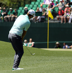 Bernd Wiesberger chips to the 8th green during the third round of the Masters Tournament at Augusta National Golf Club in Augusta, Ga., on Saturday, April 8, 2017. (Photo by Curtis Compton/Atlanta Journal-Constitution/TNS) *** Please Use Credit from Credit Field ***