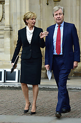Sue Lawley, Hugh Williams  beim Gedenkgottesdienst f¸r Terry Wogan im Westminster Abbey in London / 270916<br /> <br /> ***Memorial service for Terry Wogan at Westminster in London, September 27th, 2016***