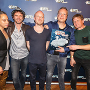 NLD/Utrecht/20150409 - Uitreiking 3FM Awards 2015, Racoon met hun award