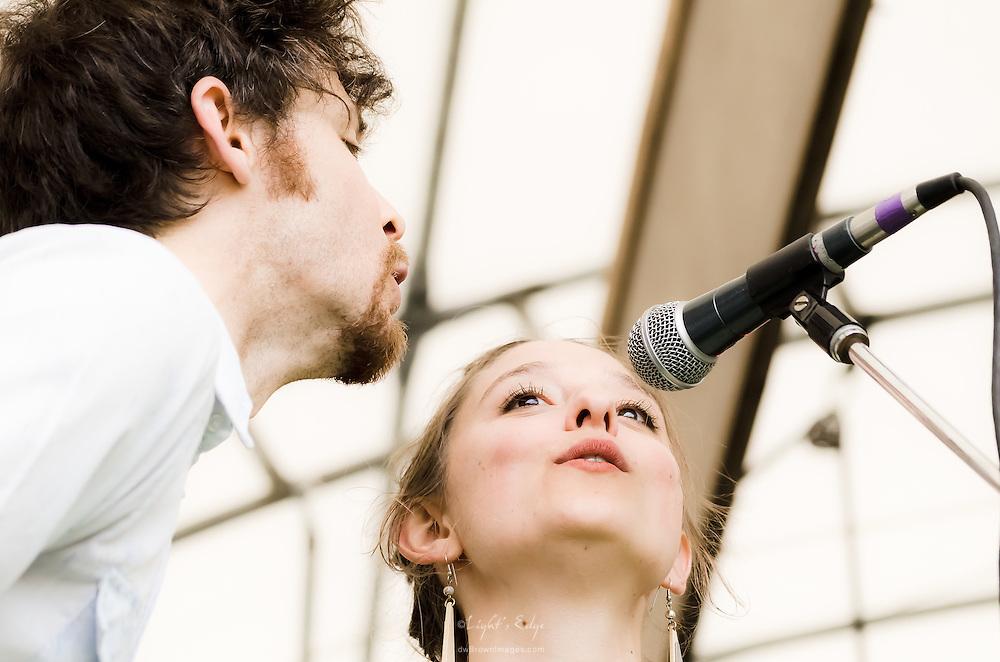 David Wax and Suz Slezak accompanying Nicole Atkins at the 2011 Appel Farm Arts & Music Festival in Elmer, NJ