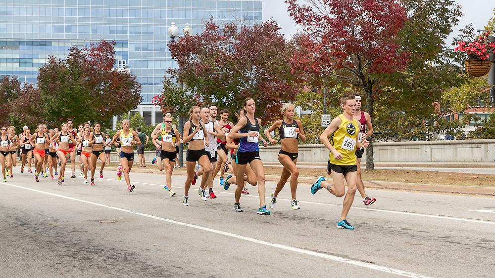 CVS Health Downtown 5k, USA 5k road championship, Mary Cain, Molly Huddle , Jordan Hasay lead women at quarter mile
