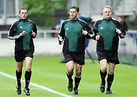 Fotball <br /> FIFA World Youth Championships 2005<br /> Enschede<br /> Nederland / Holland<br /> 11.06.2005<br /> Foto: Morten Olsen, Digitalsport<br /> <br /> USA v Argentina 1-0<br /> <br /> Norsk dommertrio. Fra venstre Steinar Holvik - Terje Hauge og Ole Hermann Borgan