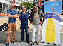 20150618 NED: WK Beach volleybal boek presentatie, Den Haag<br /> Ter gelegenheid van het WK Beachvolleybal in Nederland is vandaag het boek 'In de ban van Beachvolleybal' verschenen. Het bijna 250 pagina's dikke boek gaat over de roots, de ontwikkeling en het succes van beachvolleybal in Nederland / De auteurs Hans, John, media journalisten