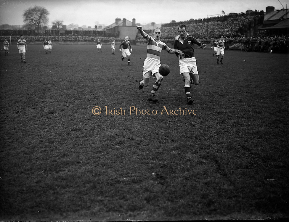 14/2/1953<br /> 2/14/1953<br /> 14 February 1953 <br /> Soccer, football: Cork United v Drumcondra at Tolka Park, Dublin.