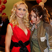 NLD/Amstelveen/20120216 - Presentatie Charityarmband Rode Kruis, Yfke Sturm en Marvy Rieder