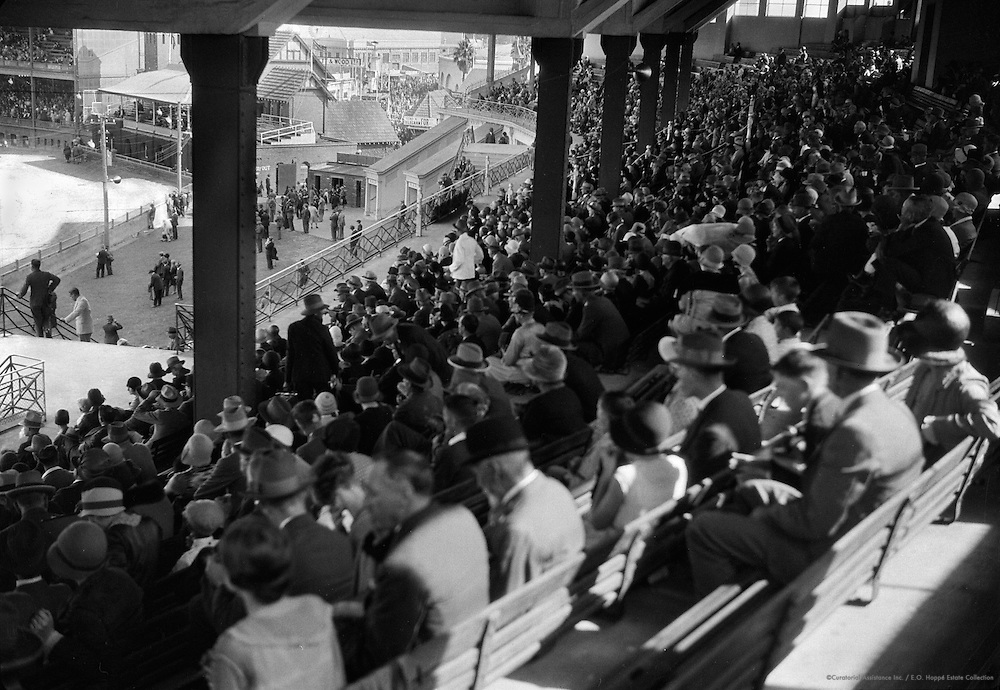 Crowds at Royal Agricultural Show, Sydney, Australia, 1930